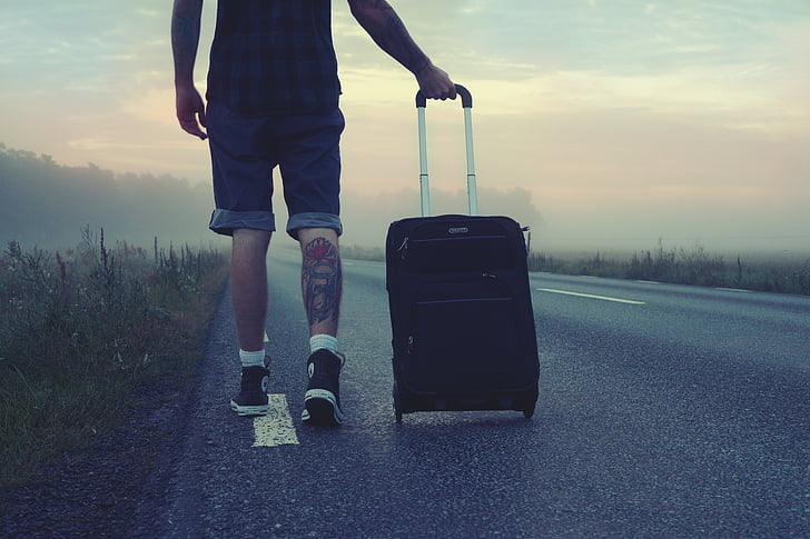 5 tapaa lentää toimitusjohtajan tavoin taloudessa matkustettaessa